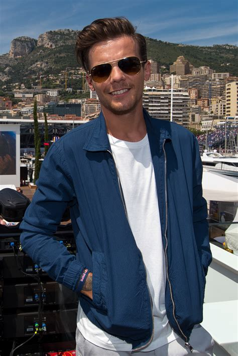 Louis Tomlinson Tried To Block Fans Commenting 'Larry' On