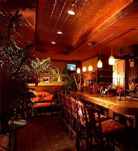 Cuba Lounge - the cozy bar area - Picture of Victor's Cafe