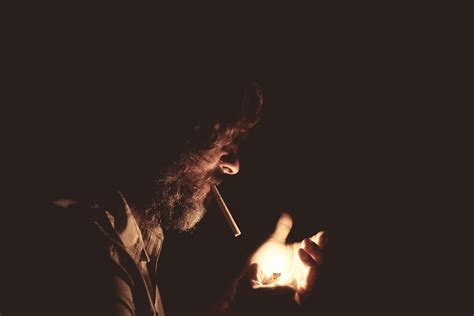 Smoking in films: differences between the UK and US - BMC